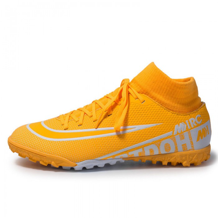 Fashionable Comfy Football Boots , Durable Lightweight Football Cleats