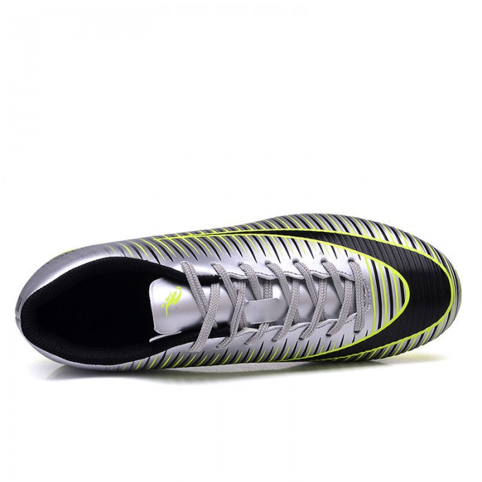 Colorful Lightweight Soccer Shoes Waterproof Upper With SGS Certification