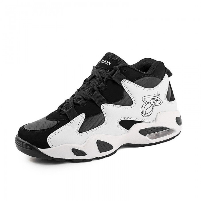Black And White High Ankle Basketball Shoes Anti Slippery Thickened Sole