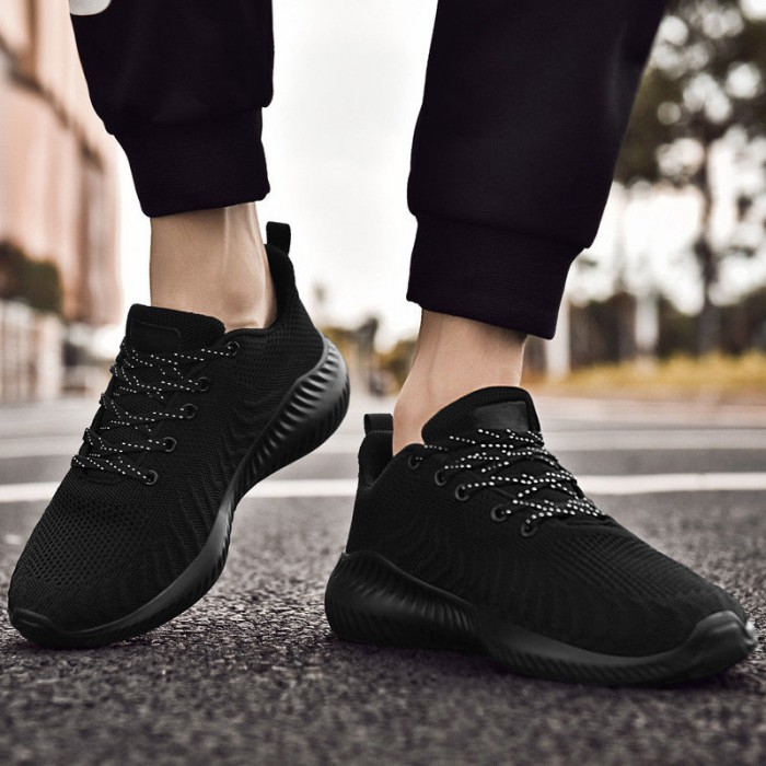 Full Black Casual Sports Shoes , Men's Casual Breathable Shoes Wear Resistant