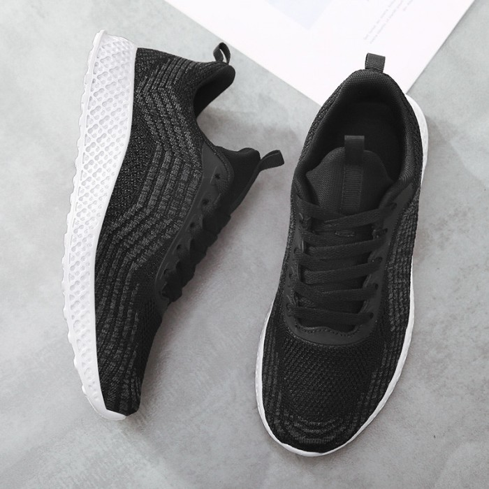 Casual Lightweight Badminton Shoes Finely Stitched For Lasting Durability