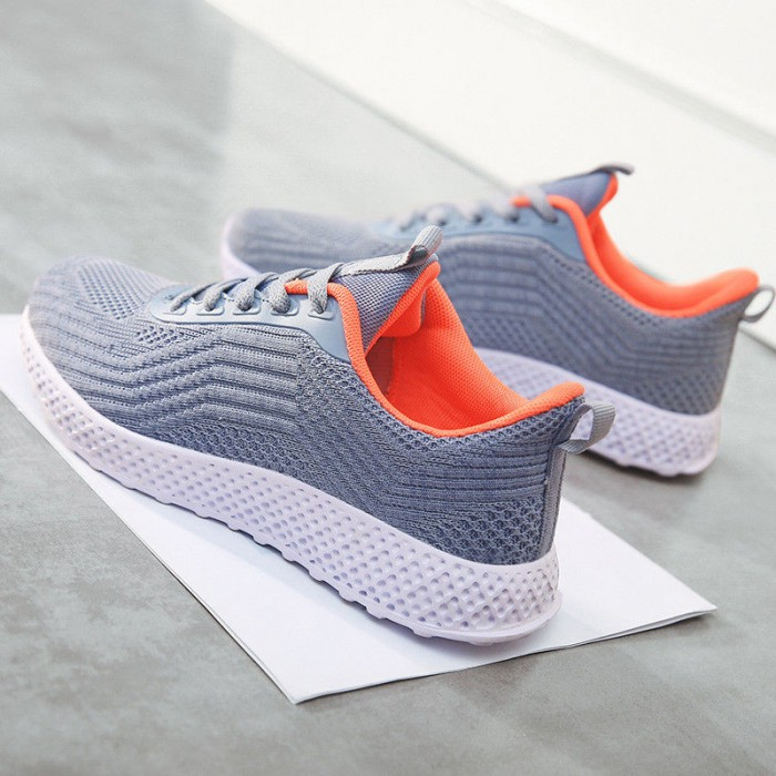 Wear Resistant Casual Anti Slip Sports Shoes Customized Service Available